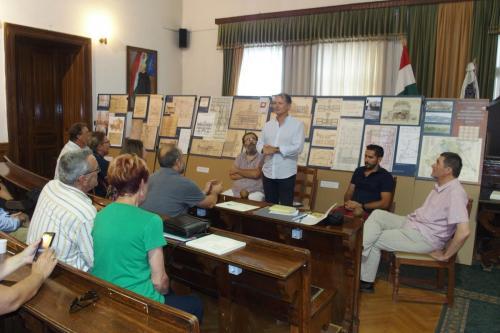 Kihelyezett ülést tartott az elnökség Baján
