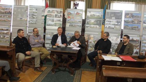 Kihelyezett elnökségi ülés Baján